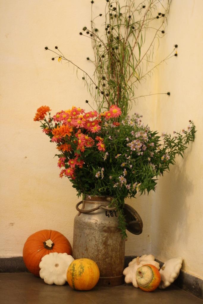 Herbstliche Topfdeko